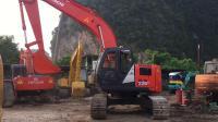 日立ZX225US-HCMBAJ00A001107XX挖掘机
