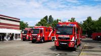 Übergab der 3 ELW 2 für die消防队 Berl在zum Tag der offen和Tür bei der消防队