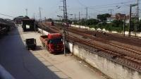 广铁广段的SS9G型电力机车牵引K512次列车从郭塘站经过