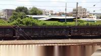 广铁株段的HXD1C型电力机车牵引货物列车从郭塘站经过