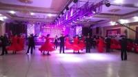 杜尔伯特县交谊舞协会表演伦巴集体舞蹈