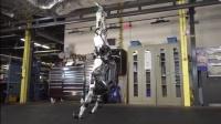 02波士顿动力再升级:机器人凌空三连跳