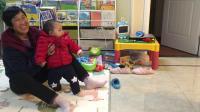 哥哥和妹妹抢玩具 妹妹抢玩具(二宝九个月了)