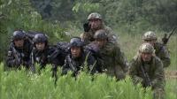 新兵配合默契,竟反客为主直接抢走教官的装甲车,一辆都不给留!