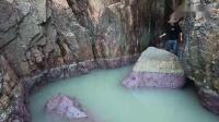 赶海以来最深的水坑,藏匿于荒岛的陡峭两壁,抽到一半海货不停抓