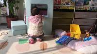 小宝宝扶着东西站起来 学说话