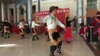 老干部活动中心迎新年舞会跳锅庄