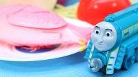 托马斯玩具总动员认识各种托马斯 准备火锅食材吃火锅啦