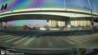 贴着最右侧车道左转是什么鬼