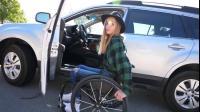 男子双腿残疾,竟用轮椅玩出自己的极限人生,妥妥人生励志片!