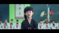 龙拳小子:小屁孩实力一挑四,黑带老师都趴下求饶,精彩!.mp4