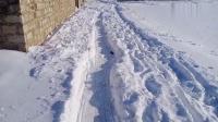 又到除雪时乡亲们战壕已经挖好就问你有没有点地道战的味道