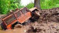 Rc汽车泥泞越野极限冒险-路虎卫士和福特野马