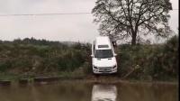 奔驰GL350越野涉水体验-新丰3