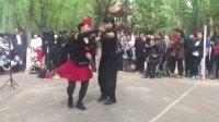 长春市舞蹈家协会雪花水兵舞团周燕、姜金荣公园展示冬冬水兵舞第四套《赞歌》