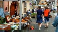 法国科马尔附近小镇的跳蚤市场