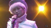 [拍客]20121110李宇春疯狂世界巡演武汉站《刀锋偏冷》