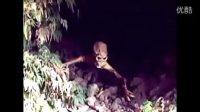 探险家进入山洞,竟然发现UFO,当场撒腿而跑,真实!!!