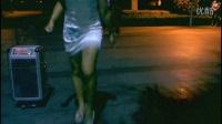 美女居然穿超短裙高跟鞋跳鬼步舞真大胆.--曳步舞的形象全完了