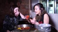 看纽约时尚潮人怎么吃小龙虾,原来他们也不会吃!