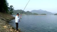 扬竿瞬间的声音,遛鱼过程的刺激,这就是钓鱼人要的