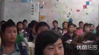 一农村学子观看小悦悦被碾视频泪流不止...拍摄:黄富昌
