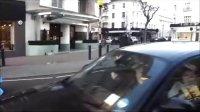 伦敦追拍 粉嫩蓝兰博基尼Aventador LP700-4 加速咆哮声