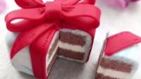 精致的礼盒,居然是个不能吃的蛋糕