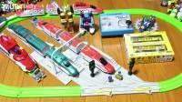 日本tomy多美变形火车红色E6火车变形机器人玩具火车变身合体变形金刚机器人