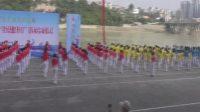 陕西安康:300人表演广场舞《群鹤起舞》