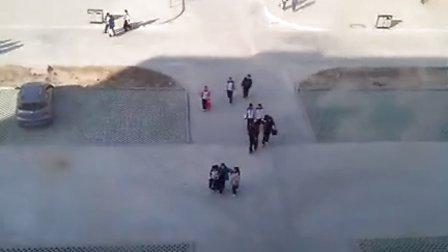 中学生打架