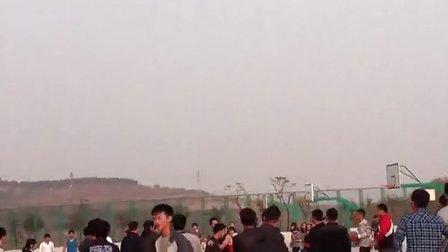 济南大学泉城学院 篮球赛变成群殴赛