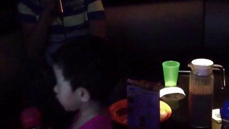 带着儿子去唱歌PART1