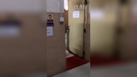 广东轻工职业技术学院广州校区男生1栋宿舍宿管怒砸学生管理条例