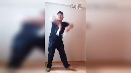 现代版广场秧歌PK广场舞 最炫民族风