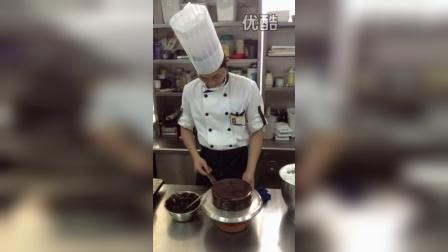 鸿记西点培训の慕斯蛋糕制作视频