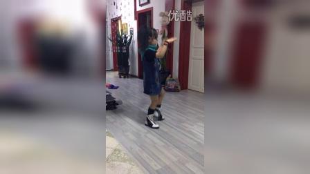 筷子兄弟小苹果儿童版舞蹈