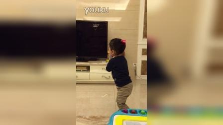 两岁小妞朗诵《题西林壁》