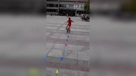 张昊霖在王串场公园玩独轮车8