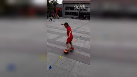 张昊霖在王串场公园玩独轮车7