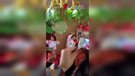 刘宝贝2015幼儿园元旦表演1