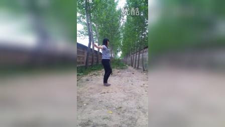 前王落大声唱广场舞VID_20150521_151454