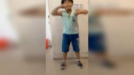 8岁3个月 康辉舞蹈(tfboy宠爱)(哥不是传说 不要迷恋哥)