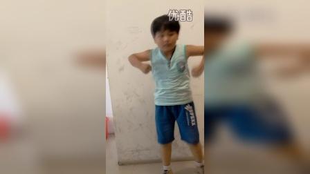 8岁3个月康辉舞蹈 (tfboy宠爱)(哥不是传说 不要迷恋哥)