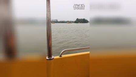 2015年4月在淮阳龙湖划船