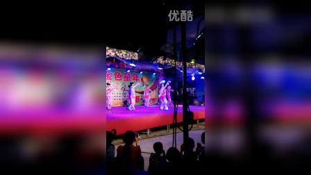 校椅红蕾幼儿园老师舞蹈<美人吟>