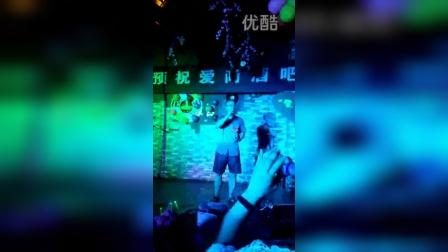 2015年8月湖北省神农架林区爱尚酒吧歌手比赛李传雄