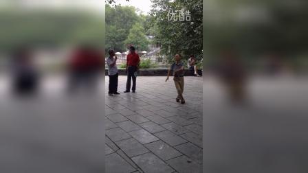 峒河的舞蹈哥