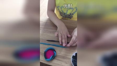 幼儿粘土小花篮制作过程并讲解