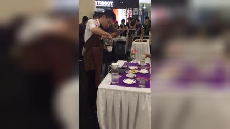 2015年杭州市咖啡师职业技能大赛来自马蒂尔咖啡选手34号李明旭